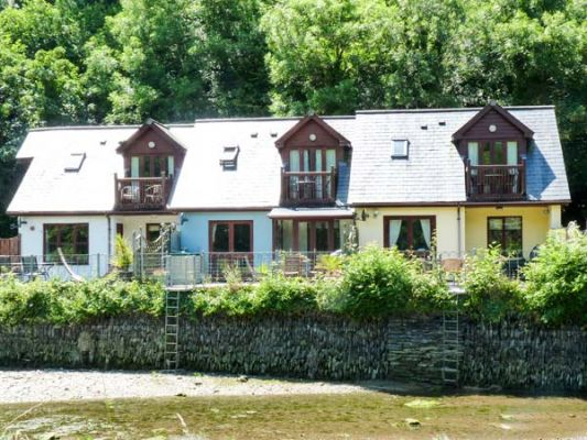 Waterside Cottage photo 1