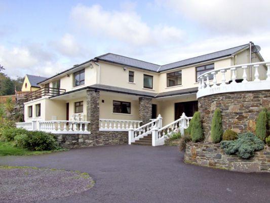 Castle Lane House photo 1