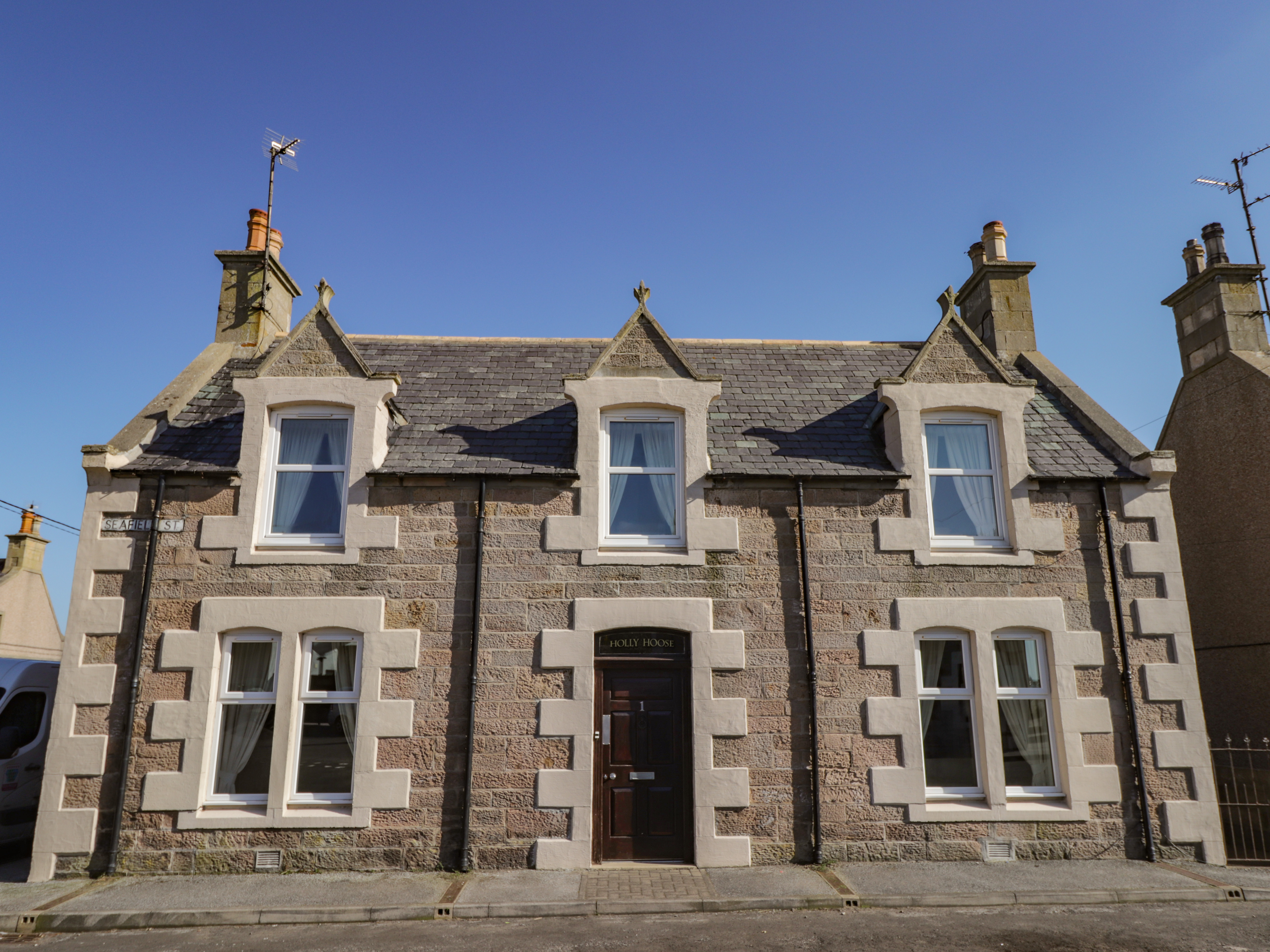 Holly Hoose, Findochty