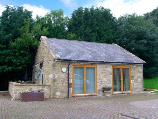 Northumberland Holiday Cottages: The Lodge, Horsley nr. Heddon-on-the-Wall, Sleeps 2 | sykescottages.co.uk