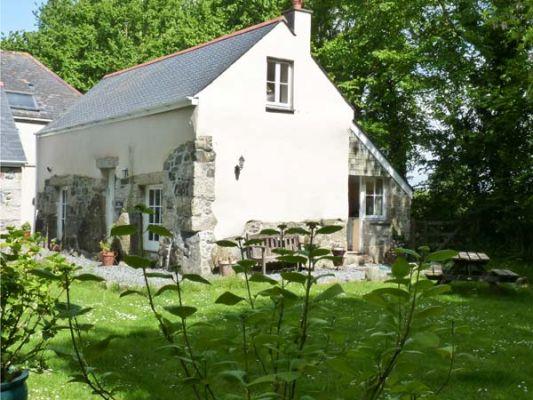 Longhouse photo 1