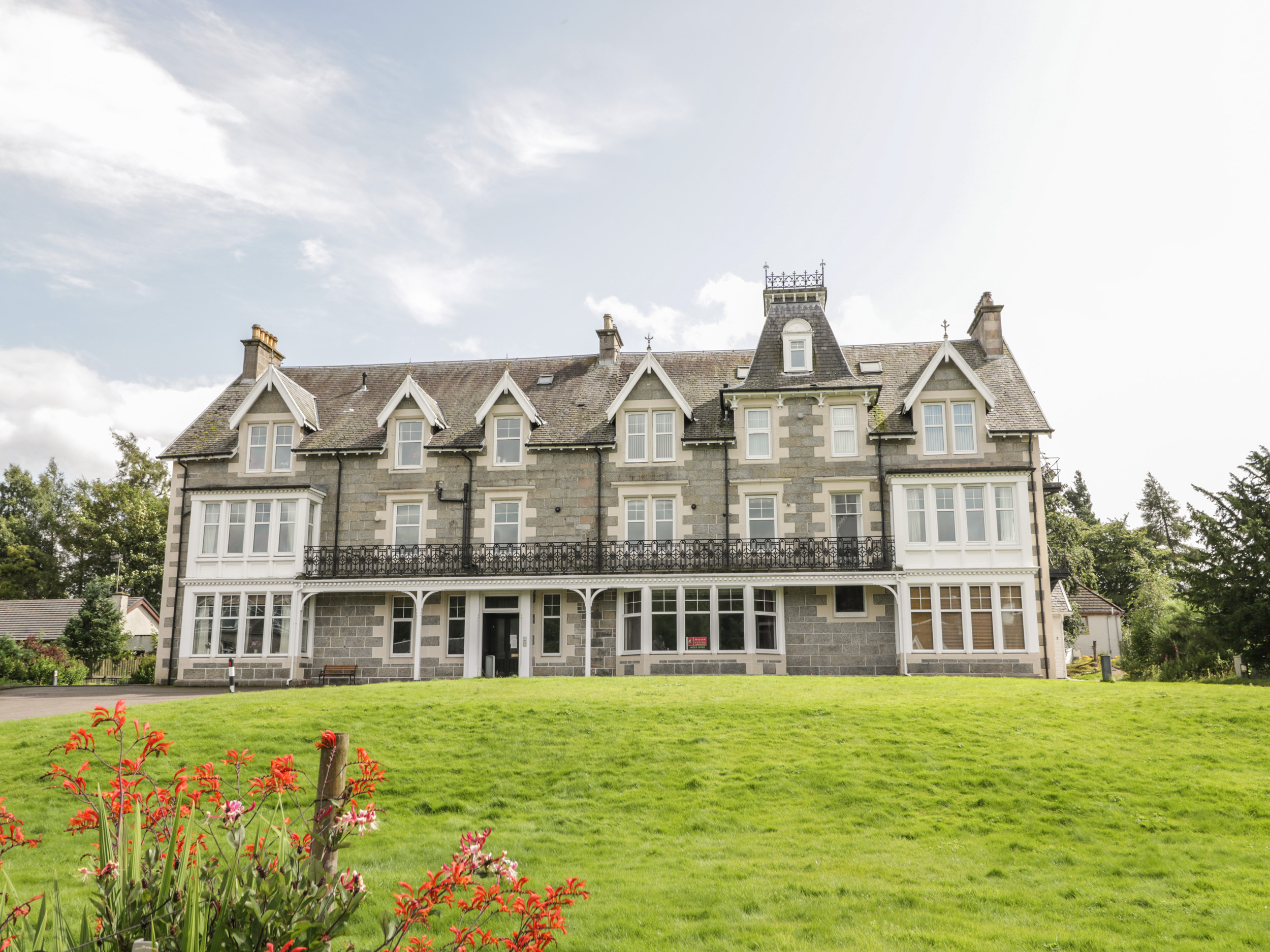 10 Monarch Country Apartments, Newtonmore