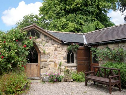 The Arch, romantic holiday cottage nr. Oswestry | Sykes Cottages