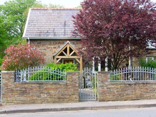 2 Cadle Mill Cottages photo 1