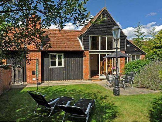 Woodman's Cottage photo 1