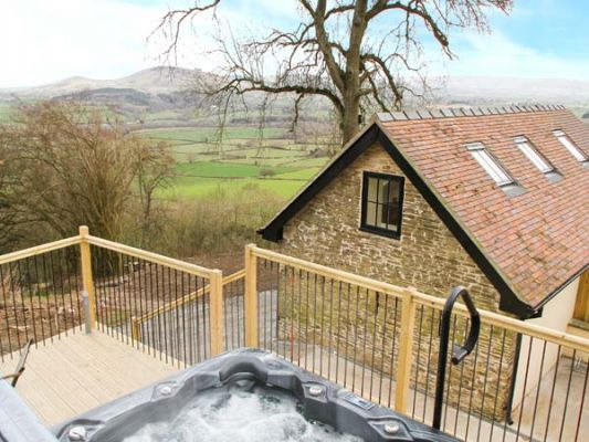 Shropshire Holiday Cottages: Bishop's Castle Barn, Bankshead | sykescottages.com