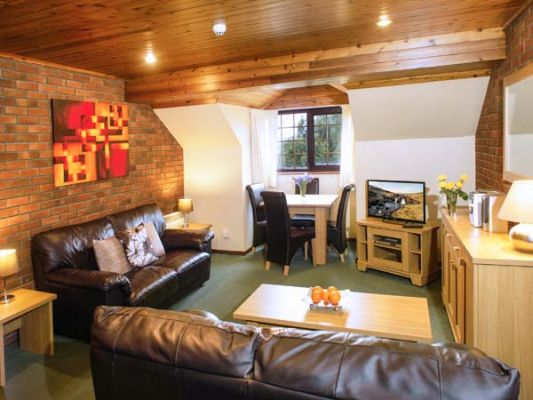 Brecon Cottages - Crows Nest 1 photo 1