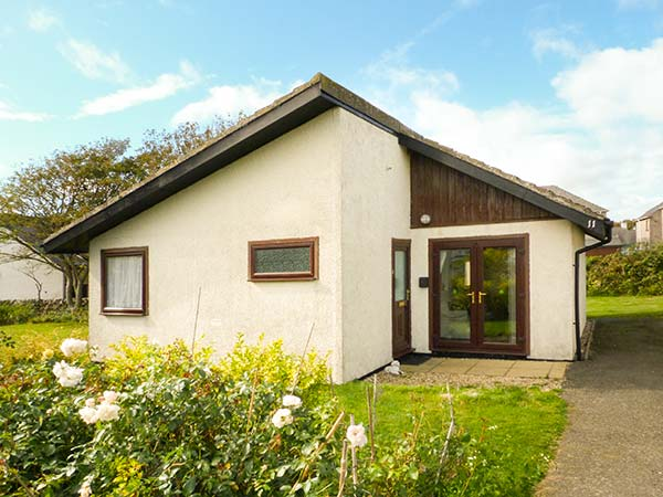 11 Laigh Isle, Whithorn