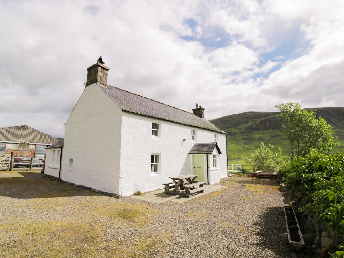 Presnerb Farmhouse, Glen Isla, near Alyth