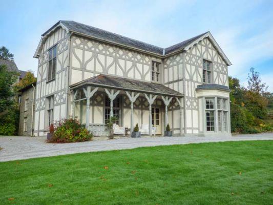 Treburvaugh House photo 1