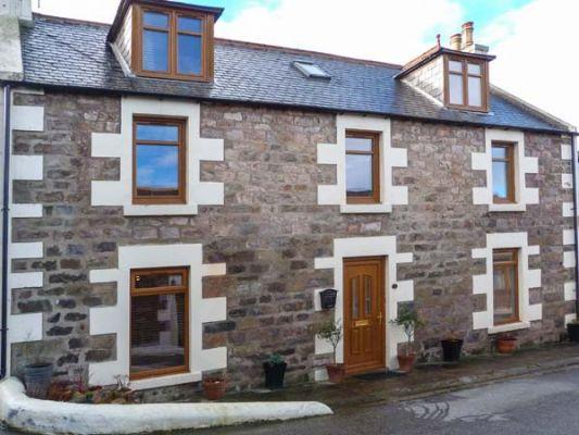 2 Craigenroan Place photo 1
