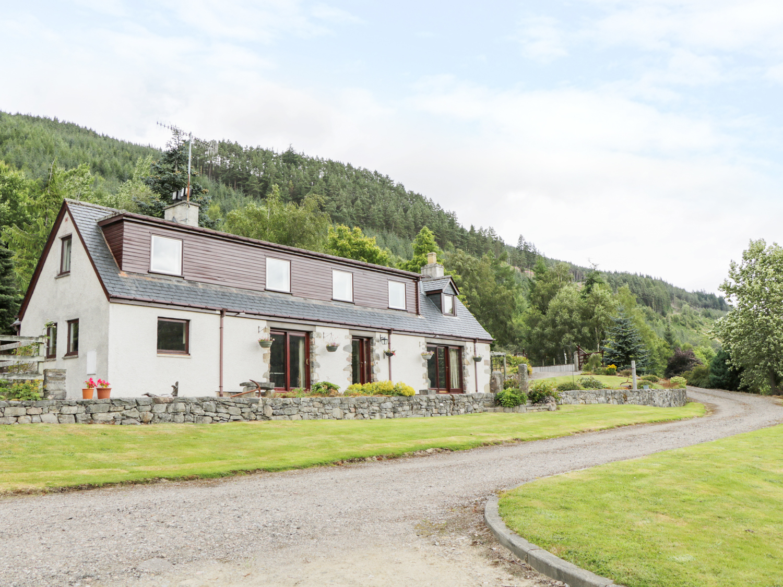 Carnoch Farm Cottage, Cannich
