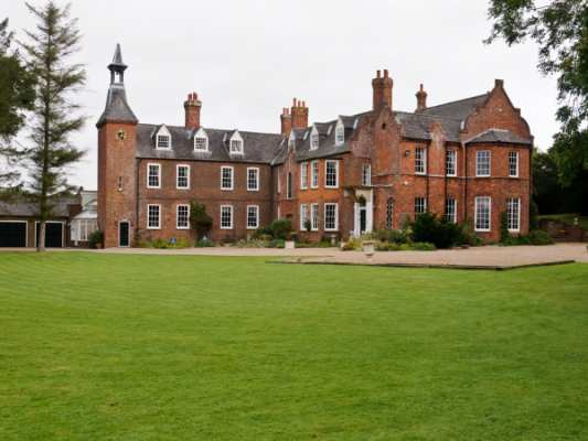 Skendleby Hall photo 1