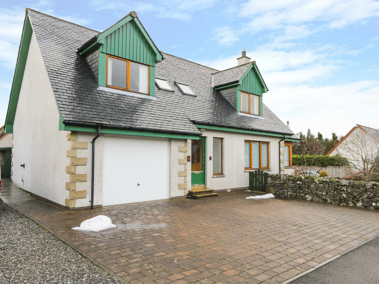 12 Loch Na Leoba Road, Newtonmore