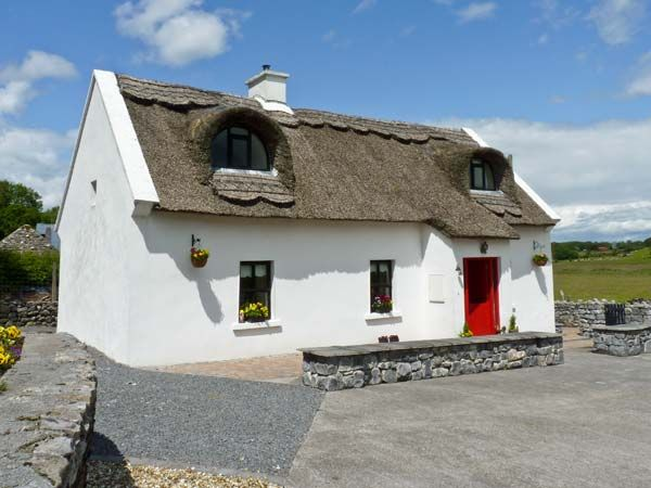 Ballyglass Thatched Cottage photo 1