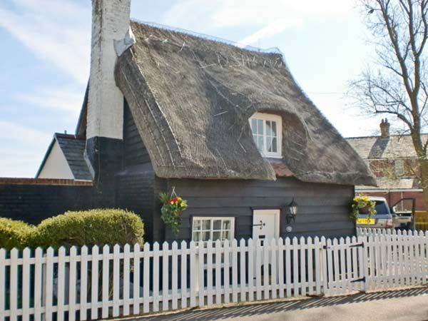 Little Thatch Walton On The Naze East Anglia Self Catering Holiday Cottage