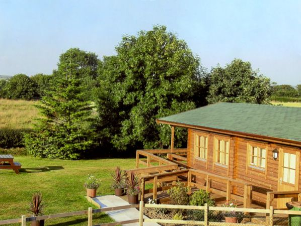 Thornlea Log Cabin photo 1