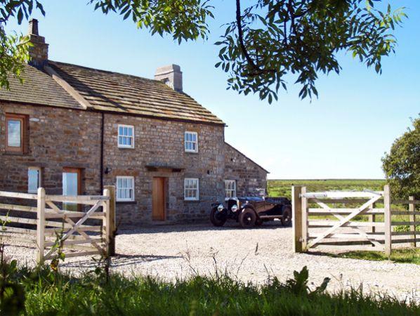 Lower Croasdale Farmhouse photo 1