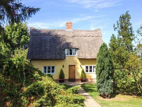 Holiday Cottages in Suffolk: Faith Cottage, Bradfield St. George | sykescottages.co.uk