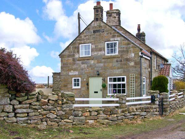 1 Hilltop Cottage photo 1