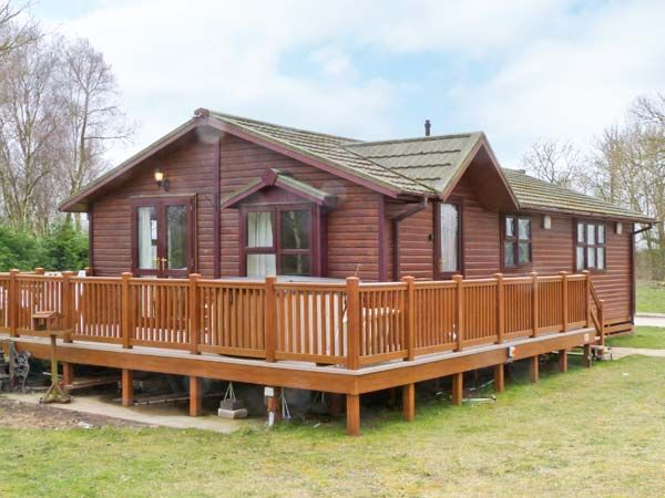 No 40 Robin Lodge Tattershall Lakes Country Park Tattershall East Anglia Self Catering