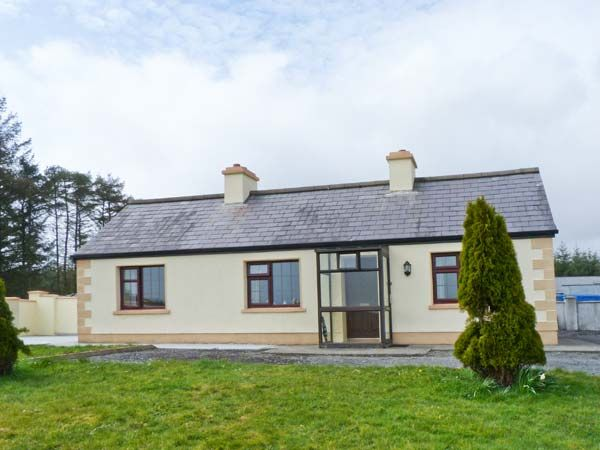 pictures of cottage living rooms knocknaskibbole castlebar county mayo castlebar 23309