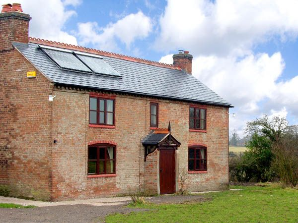 Canal Cottage photo 1