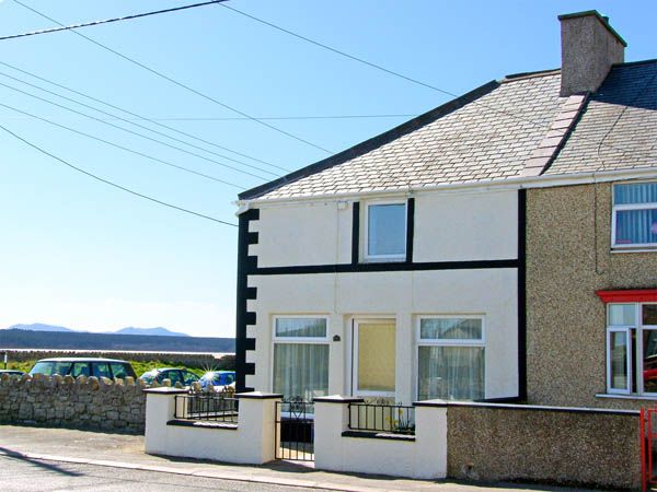 Malltraeth Cottage photo 1