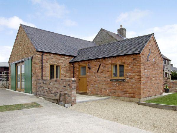 Hollies Barn photo 1
