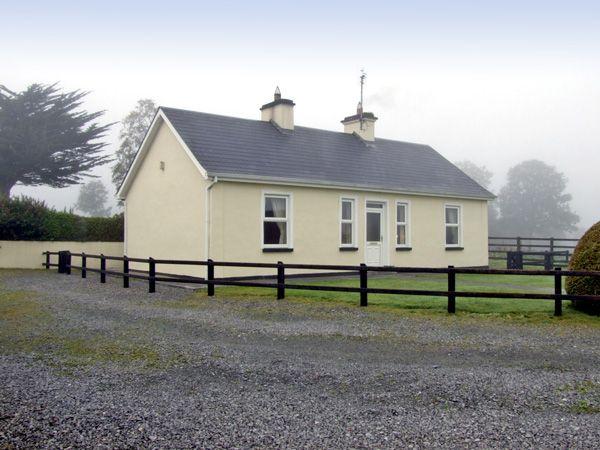 Cloghogue Cottage photo 1