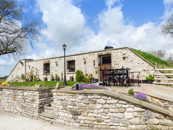 Matlock Holiday Cottages: Cambridge Lodge, Wensley | sykescottages.co.uk