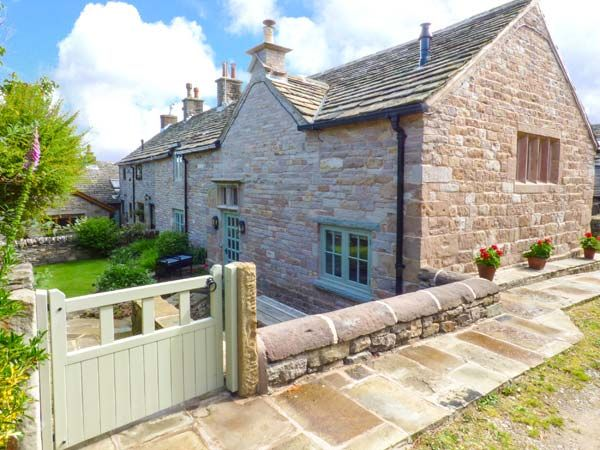 Holiday Cottages in Derbyshire: Disley Hall, Disley | sykescottages.co.uk