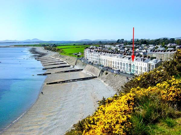 Seaside Criccieth Self Catering Holiday Cottage