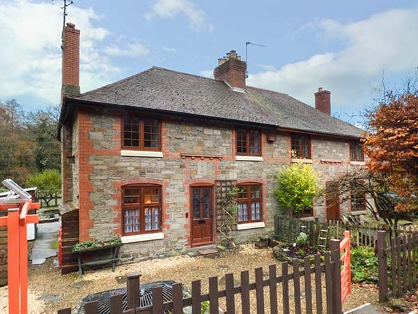 3 Crown Cottages, Gloucestershire
