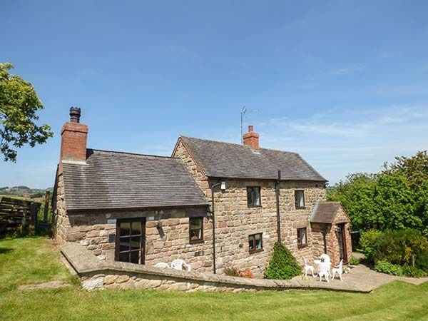 Holiday Cottages in Derbyshire: Chevinside Cottage, Belper | sykescottages.co.uk