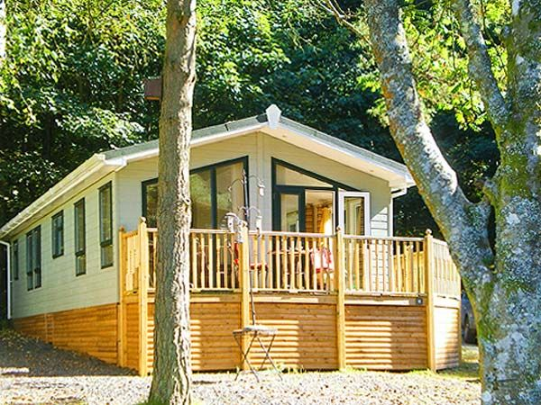 Sunny corner lodge white cross bay troutbeck bridge - Luxury cottages lake district swimming pool ...