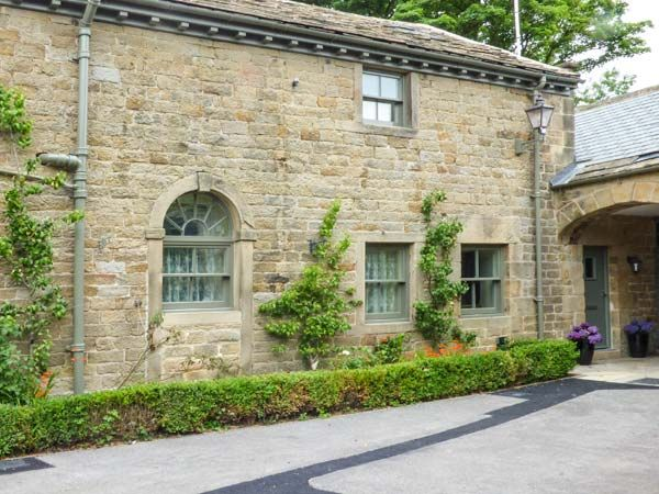 Holiday Cottages in Derbyshire: Tack Room Cottage, Ashover | sykescottages.co.uk