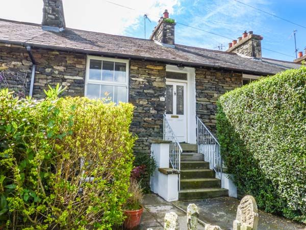 Fisher 39 s retreat bowness on windermere windermere the lake district and cumbria self for Lake district cottages with swimming pool