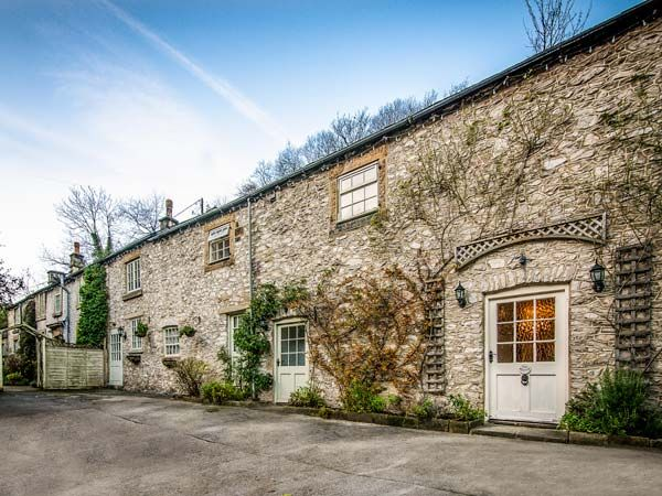 Holiday Cottages in Derbyshire: The Barn, Miller's Dale | sykescottages.co.uk