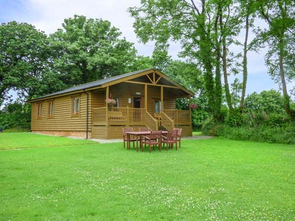 Tarka's Holt Log Cabin photo 1