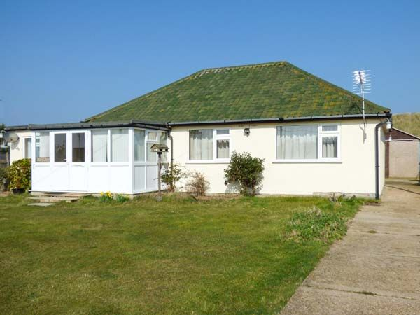 Min-y-Don holiday cottage, Eccles-on-Sea, Norfolk