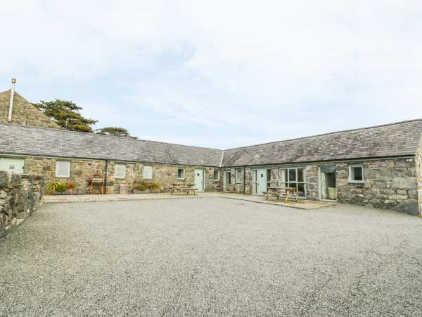 Dog Friendly Self Catering In Barmouth Distict If Wales
