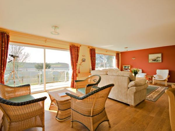 Chinook | Feock | Point | South Of England | Self Catering