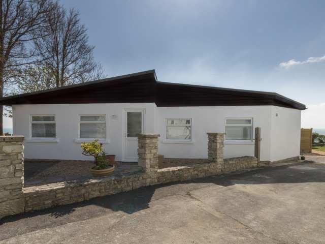 Cove Lodge photo 1