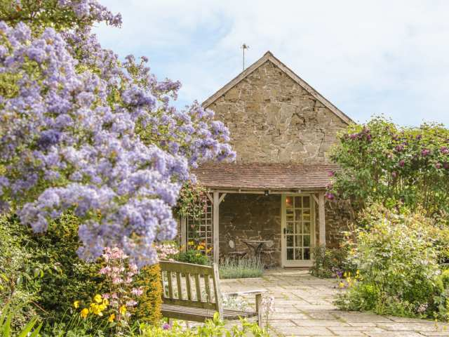 Stable Cottage - 14117 - photo 1