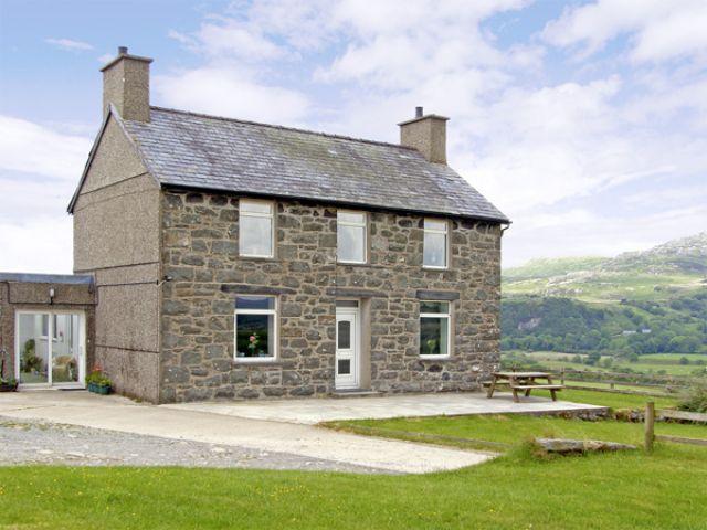 Ymwlch Bach Farmhouse - 2838 - photo 1