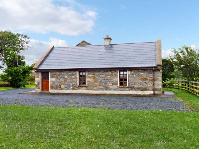 Creevy Cottage - 7958 - photo 1