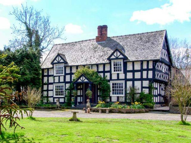 White Hopton House photo 1