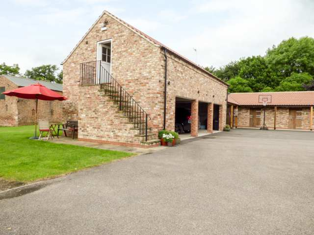 The Stables, Crayke Lodge - 917511 - photo 1