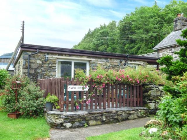 Stable Cottage - 932941 - photo 1